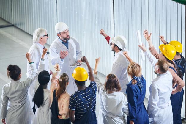 Czy Twoi pracownicy zwolnią się przez oprogramowanie do zarządzania produkcją?